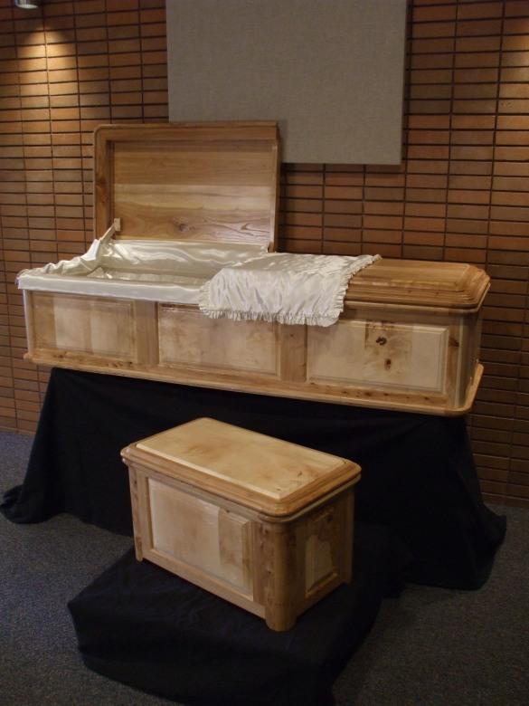 how to build a casket